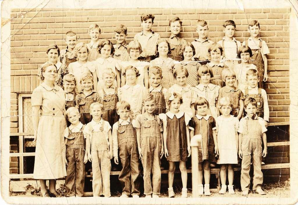 Dover School Picture 1937 compressed